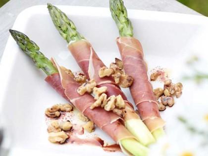Serrano med frisk asparges