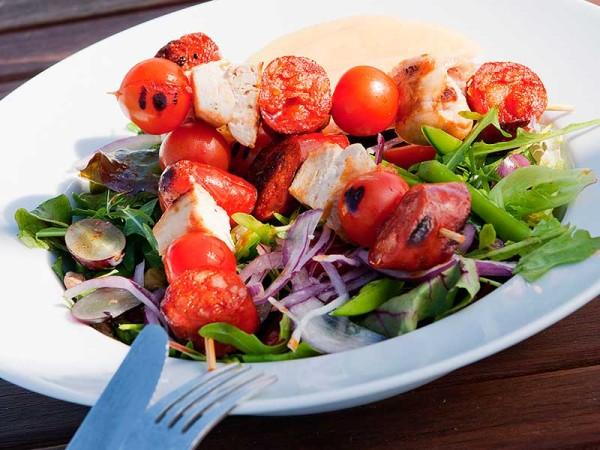 Grillspyd med chorizo og kyllingbryst